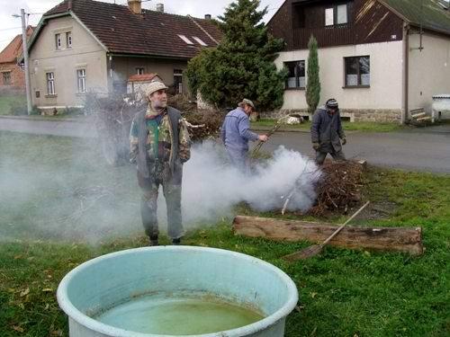 Výlov rybníka vBílově - foto 01